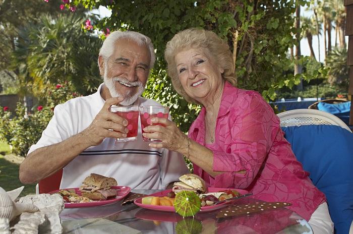 A importância do acompanhamento nutricional do idoso.