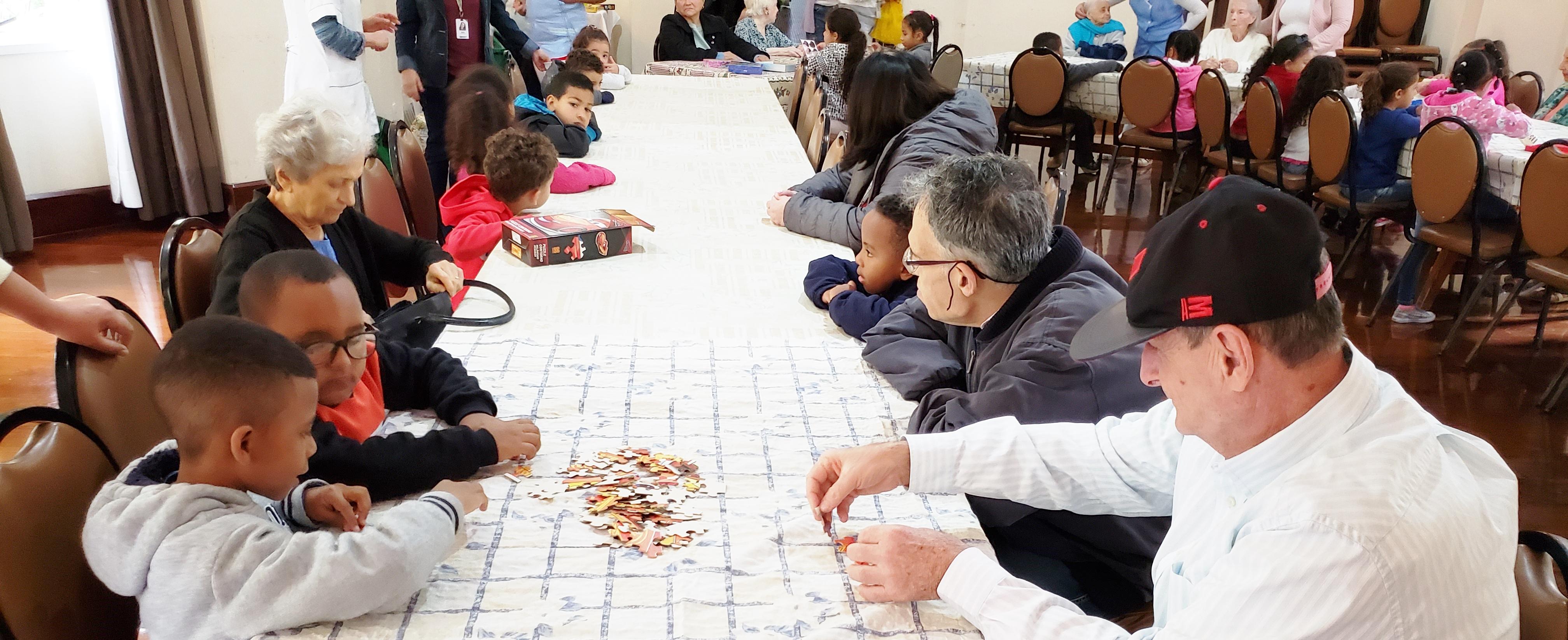 Brincando com as Gerações –  SBA Girassol Kids